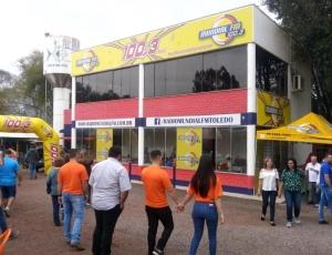 Estande - Rádio Mundial FM 100,3 - Festa do Porco no Roledo 2018